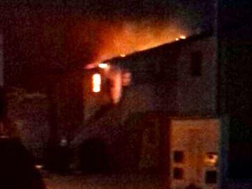 Duas crianças morrem em incêndio em Campina Grande; vela pode ter causado acidente