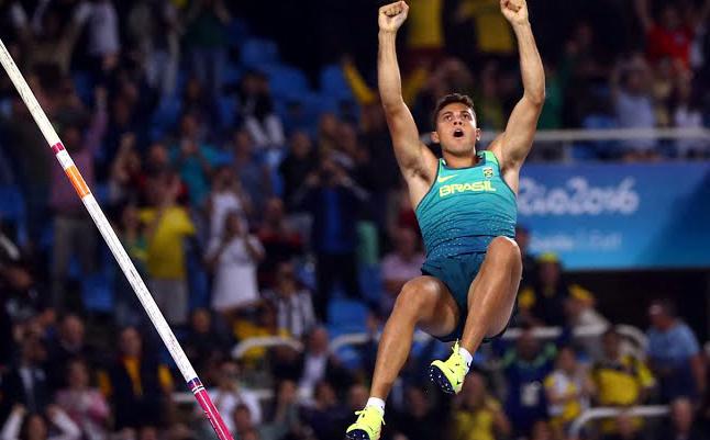 Thiago Silva conquista ouro e bate recorde olímpico no salto com vara