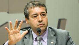 Reforma trabalhista pode formalizar jornada de 12 horas, diz ministro