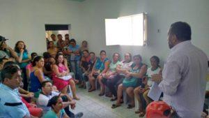 Servidores de Santa Terezinha deliberaram pela greve