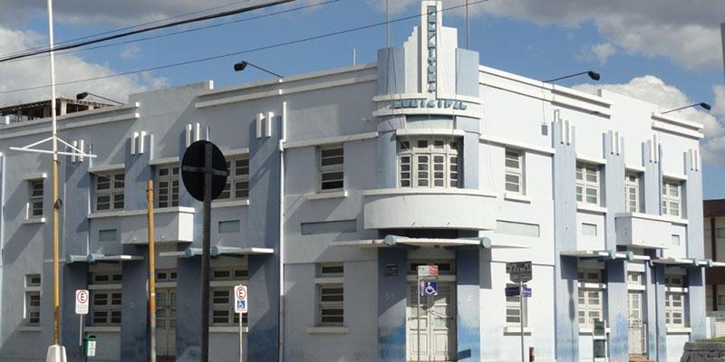 Prefeitura de Patos divulga edital de Processo Seletivo com salários de até R$ 2.400