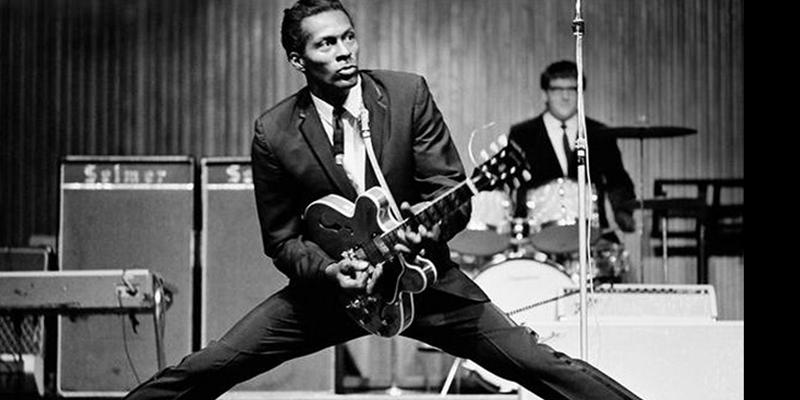 Lenda do rock, guitarrista Chuck Berry morre aos 90 anos