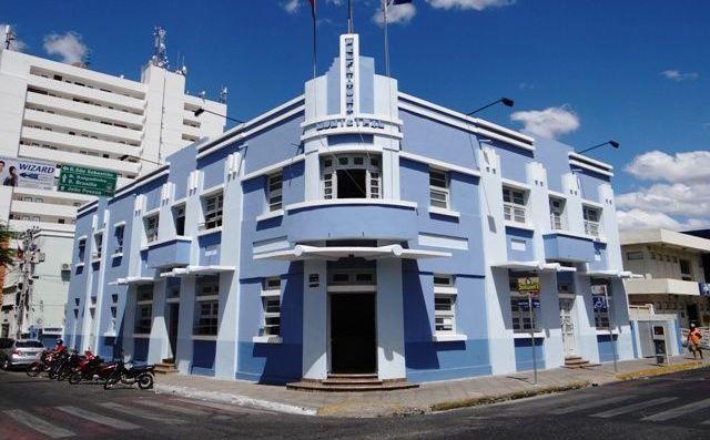 Juíza determina intimação do prefeito e procurador por descumprimento de decisão judicial em Patos