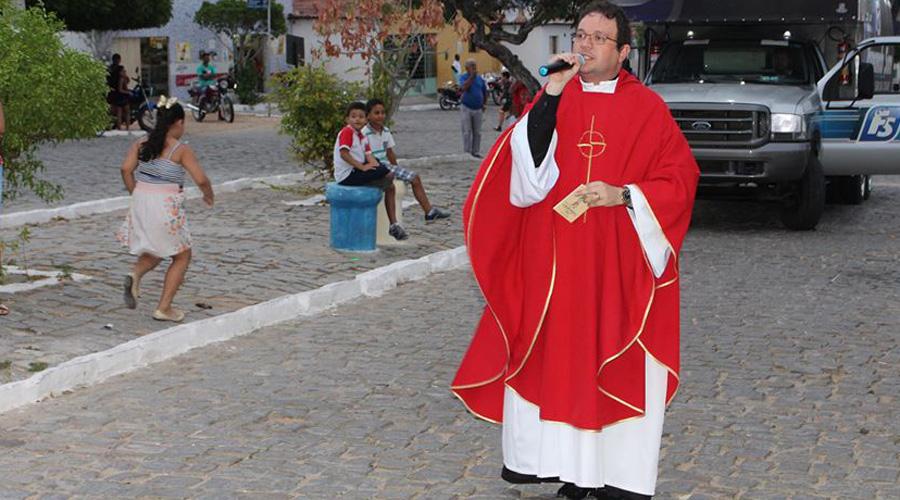 Padre Fabrício faz agradecimento especial a São Mamede