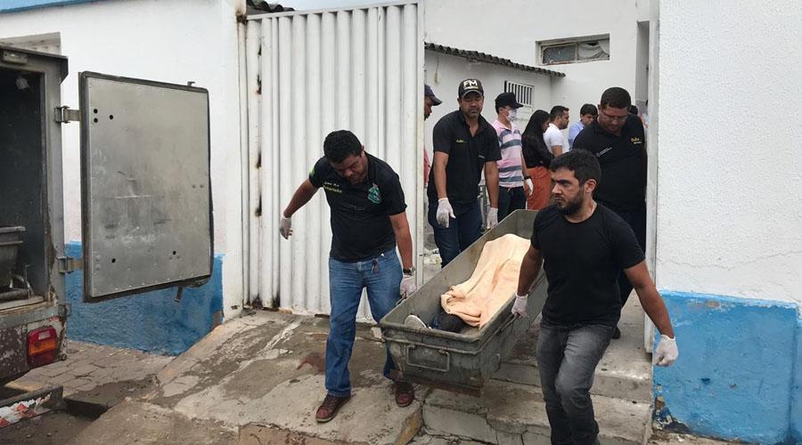 Tentativa de assalto a bancos com reféns deixa 13 mortos após tiroteio no Ceará