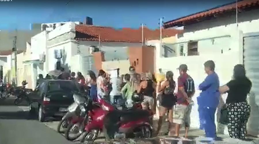Câmera de segurança da Prefeitura de São Mamede registra momento em que mototaxista é alvejado a tiros