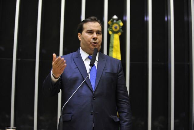 Maia é reeleito presidente da Câmara e defende reformas 'pactuadas' e 'modernização'