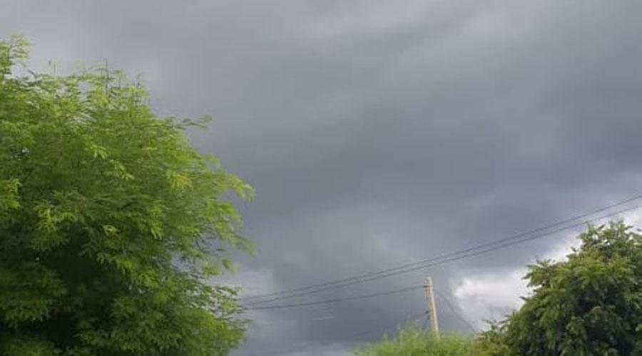 Chove neste momento em Cacimba de Areia. Expectativa de que a Barragem da Farinha transborde