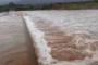 Faltam agora 30 centímetros para a Barragem da Farinha transbordar. Vídeo
