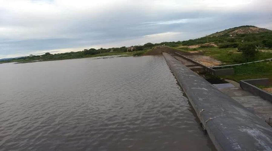 Faltam 50 centímetros para a Barragem da Farinha transbordar