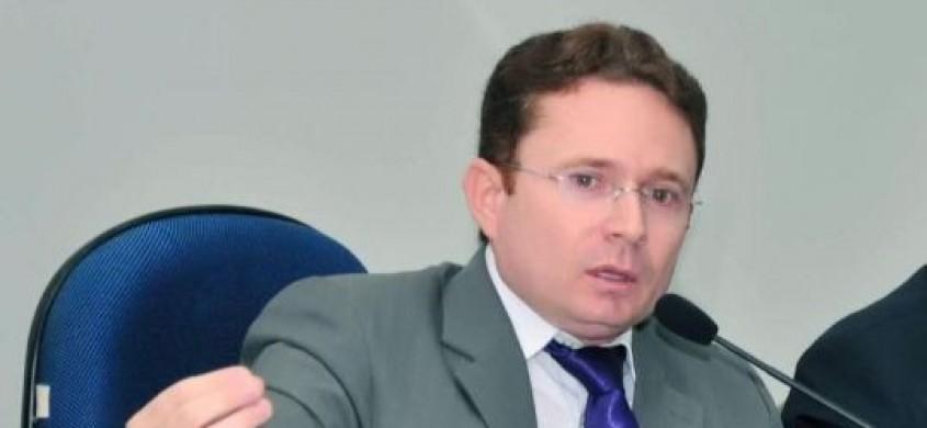 Cinco secretários deixam o governo Sales em Patos; um volta atrás e permanecerá