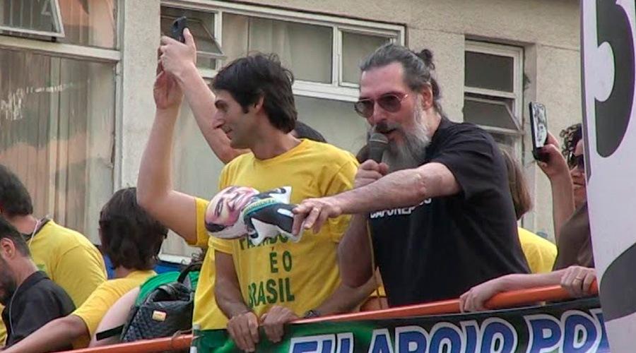 """Lobão diz que governo Bolsonaro é """"um desastre"""""""