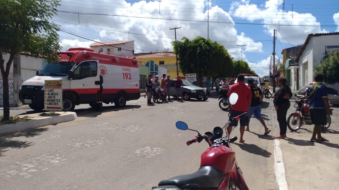 Vendedor se fere gravemente em acidente em Teixeira