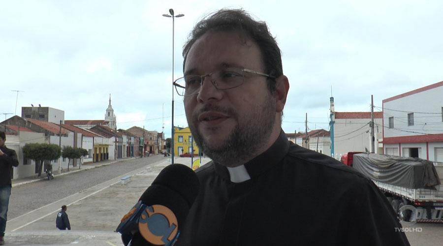"""""""Missa com Orações de Cura e Libertação"""" com padre Fabrício Timóteo será celebrada em Taperoá"""