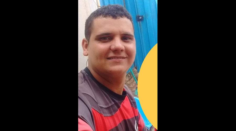 Jovem é alvejado com seis tiros em Teixeira e está em estado grave no hospital de Patos