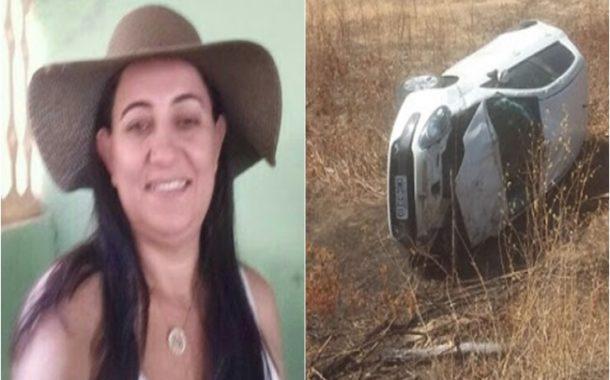 Mulher passa mal ao volante e capota carro várias vezes entre Caraúbas e Campo Grande-RN